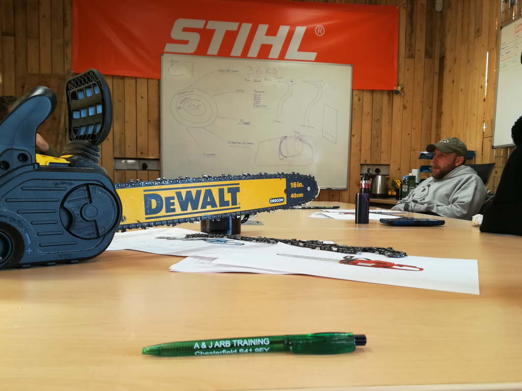 2018-12-04_08-57-36 chainsaw training GWE small